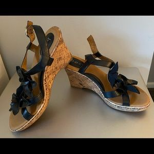 wedge sandals-worn 2 hours need the next size